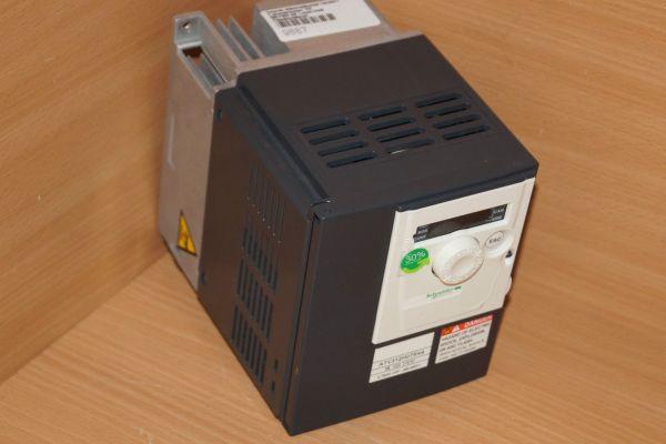 Schneider Telemecanique Altivarv312 Frequenzumrichter 0,75kW/ 1HP, 380V/500V ATV