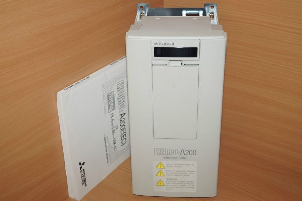 Mitsubishi FR-A240E-1.5K-EC Frequenzumrichter Freqrol A200 E FR-A240E-1.5K