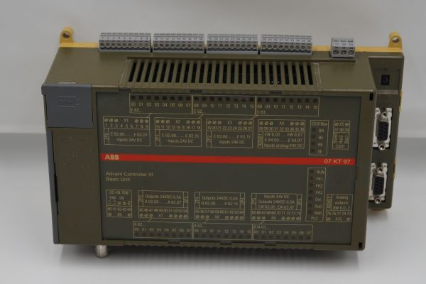 ABB Procontic CS31 07KT97C Zentralsteuereinheit CPU GJR5253000R0260