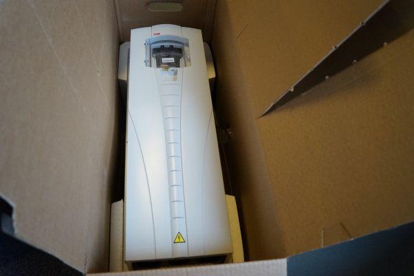 ABB 30KW Wechselrichter ACS550-01-059A-4+B055