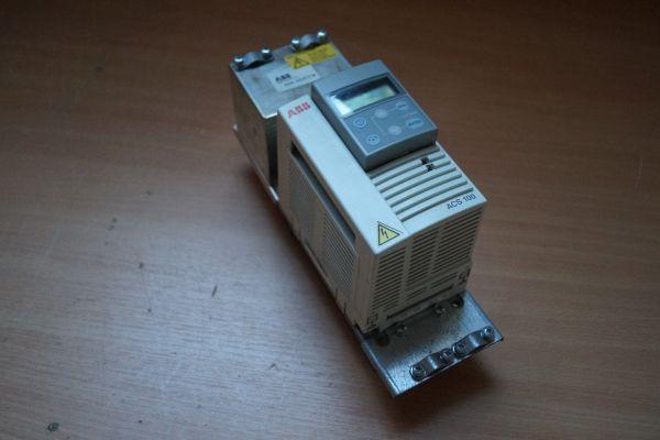 ABB ACS141-1K6-1 + ABB Industry Oy ACS100-PAN Frequenzumrichter mit Filter