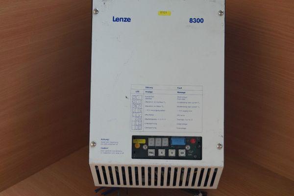 Lenze Frequenzumrichter Typ 8308_A.1M.23 Serie 8300
